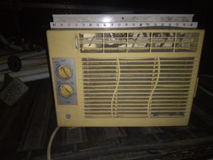 Ge air conditioner works great for Sale in Bloomington, CA