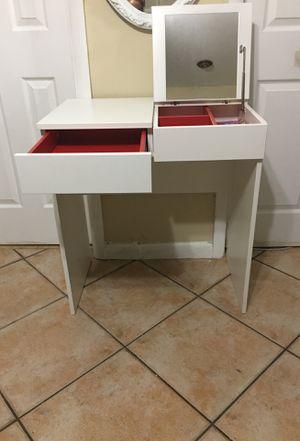 Dressing table, white, 27 1/2x16 1/2 for Sale in Sunrise, FL