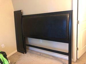 4 piece Queen size bedroom set dresser mirror and floor length mirror for Sale in Atlanta, GA