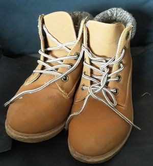 Girls boots for Sale in Trenton, OH