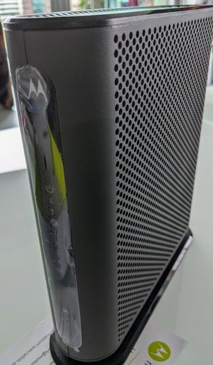 Motorola Cable Modem Docsis 3.0 and N450 Wireless Router for Sale in Columbus, OH