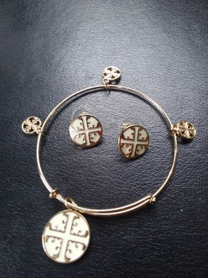 Tory Burch bracelet and earrings for Sale in Pearland, TX