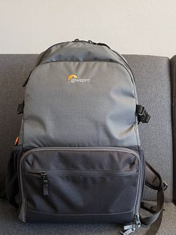 Lowepro Backpack for Sale in Chatham Township,  NJ