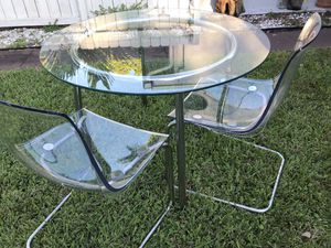 Dinning set / glass table for Sale in Hialeah, FL