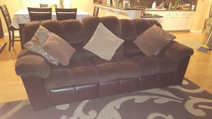 SOFA & LOVE SEAT 4RM MORS FURNITURE for Sale in Fresno, CA
