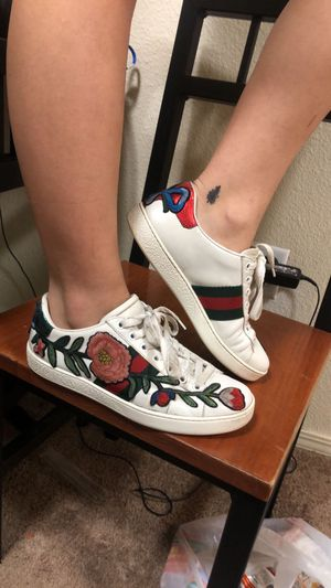 Flower Gucci Shoes Size 7 for Sale in South Salt Lake, UT