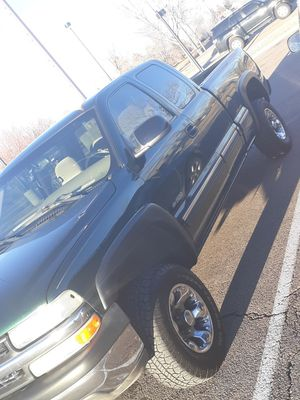 Chevy Silverado 2002 for Sale in Denver, CO