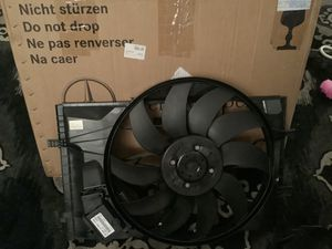 Mercedes Benz Radiator cooling fan Part {contact info removed} for Sale in Scottsdale, AZ