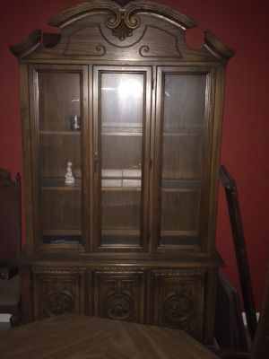 Dining room table and China closet for Sale in Pittsburgh, PA