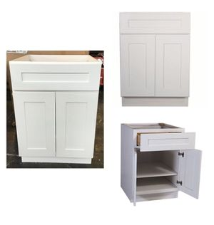 Design House 561365 Brookings Unassembled Shaker Base Kitchen Cabinet 24x34.5x24, White for Sale in Sugar Land, TX