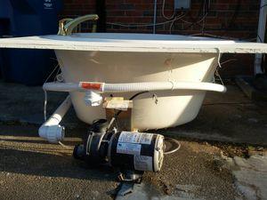Vendo bañera burbujeadora casi nueva incluye motor for Sale in Annandale, VA