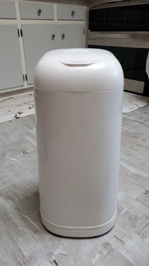Diaper genie + 2 refills NEVER USED for Sale in McKeesport, PA