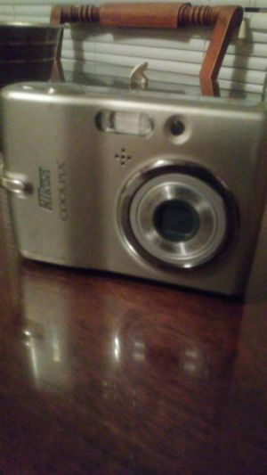 Digital camera Nikon Coolpix L11 for Sale in Heiskell, TN