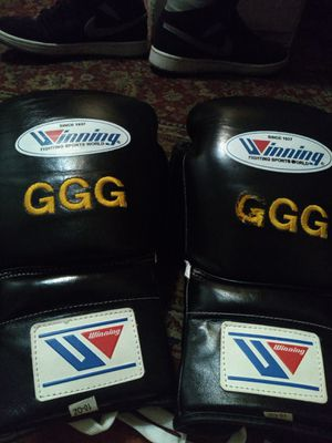 Boxing gloves for Sale in Los Angeles, CA