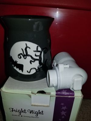 Scentsy Fright Night plug in warmer for Sale in Lake Alfred, FL