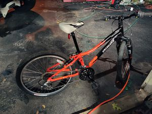 Specialized mountain bike almost new for Sale in Saugus, MA