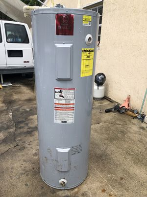 State select 66 gal 240 volt water heater for Sale in Miami, FL