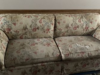 Ethan Allen Floral Used Loveseat With Couch Cover for Sale in Cleveland,  OH