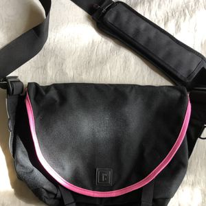 Custom Rickshaw Messenger Bag for Sale in Los Angeles, CA