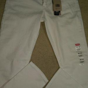 NEW -White Women's Skinny Levis Size 28x30 for Sale in Renton, WA