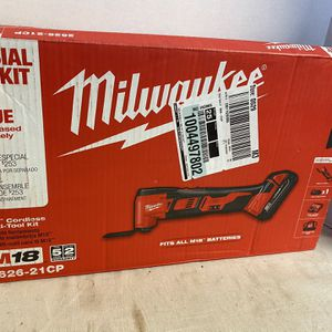 Milwaukee M18 18-Volt Lithium-Ion Cordless Oscillating Multi-Tool (with One 1.5 Ah Battery, Charger & Contractor Bag New In Box $170 firm>>>firm for Sale in Fort Worth, TX