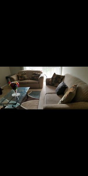 Love seat and sofa for Sale in Germantown, MD