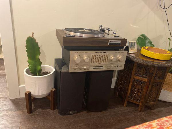 Working vintage Marantz record player and amplifier with (2) klipsch speakers