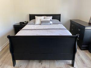 Queen Bedroom Set 4 Piece for Sale in Laguna Beach, CA