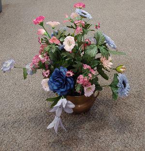 Vintage Brass Floral Arrangement for Sale in Burlington, NC