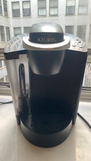 Keurig K-Classic Coffee Maker, Single Serve K-Cup Pod Coffee Brewer, 6 to 10 oz. for Sale in Chicago, IL