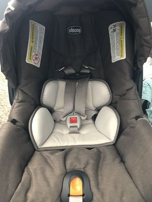 Chicco infant car seat with base for Sale in Eden Prairie, MN