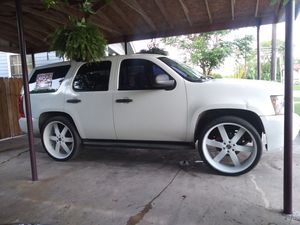 """2010 chevy tahoe on 26"""" U2s (police edition) for Sale in San Antonio, TX"""