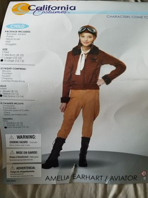 Amelia Earhart costume M for Sale in Royal Palm Beach, FL