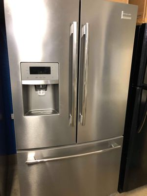 Frigidaire Professional stainless steel French door refrigerator for Sale in Corona, CA