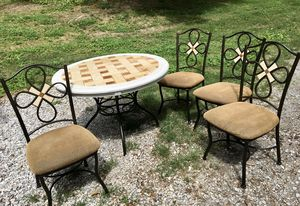 Table and Chairs , Sturdy and Strong for Sale in Kingston Springs, TN
