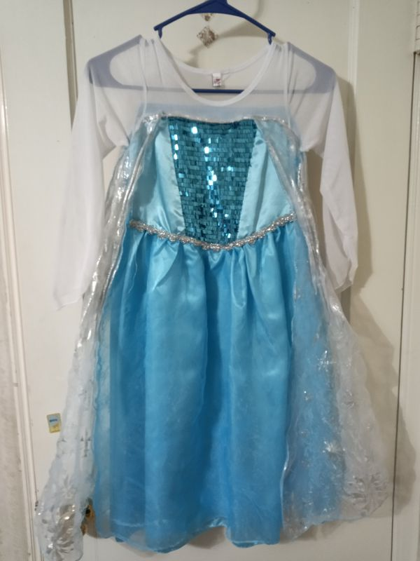 Disney Frozen Elsa costume, used a few times, size 7/8