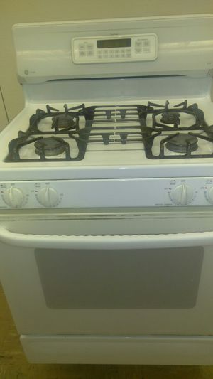 GE Profile True Temp XL44 White Stove for Sale in St. Louis, MO