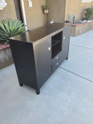 Kitchen cabinet 58×18 37 h montclair for Sale in Chino Hills, CA