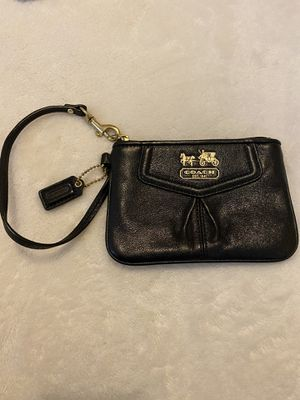Coach leather wristlet for Sale in Jersey City, NJ