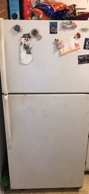 Free refrigerator for Sale in Paramount, CA