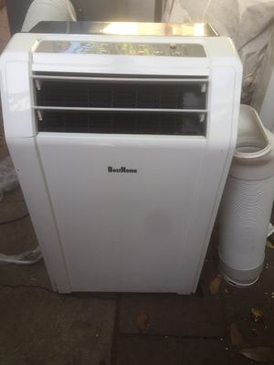 Best home portable air conditioner 8,500 btu. In good working conditions for Sale in South Gate, CA