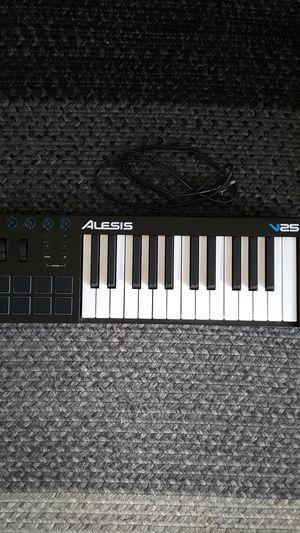 Alesis V25 midi keyboard for Sale in Berkeley, CA