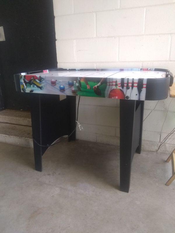 Air hockey table - works!