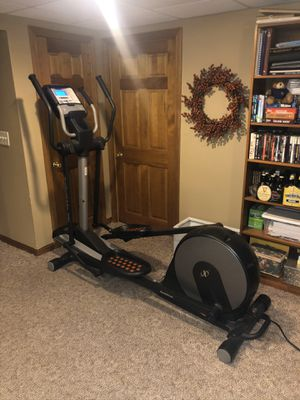 NordicTrack Audiostrider 990 Elliptical for Sale in Cheshire, CT