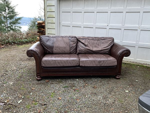 Comfy Couch. FREE!