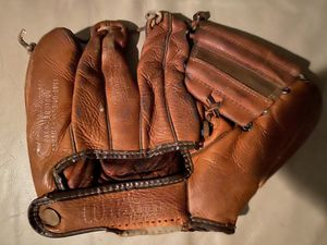 Vintage Wilson baseball glove $50 for Sale in Madison Heights, MI