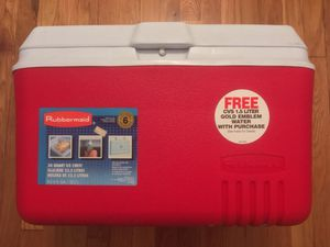 XL Extra Large Rubbermaid Red Icebox Ice Box Lunch Beverage Cooler Chest 34 Quart 8.5 Gallon 32.2 Liter for Sale in Queens, NY