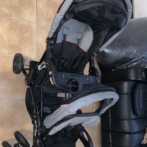 Double stroller sit and stand for Sale in Hialeah, FL