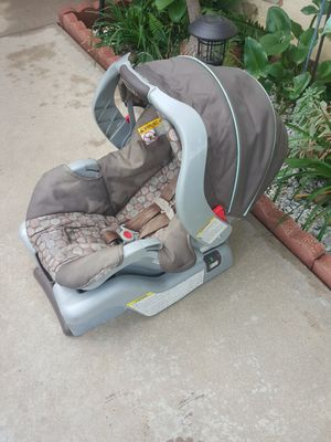 Car seat baby GRACO for Sale in March Air Reserve Base, CA