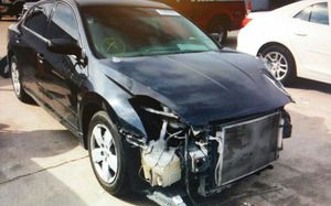 2008 Nissan Altima automatic 4 cylinder 2.5 l parting out for parts engine transmission door doors motor for Sale in Dallas, TX